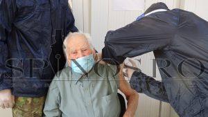 Doi veterani de război au ales să se vaccineze împotriva virusului SARS-CoV-2