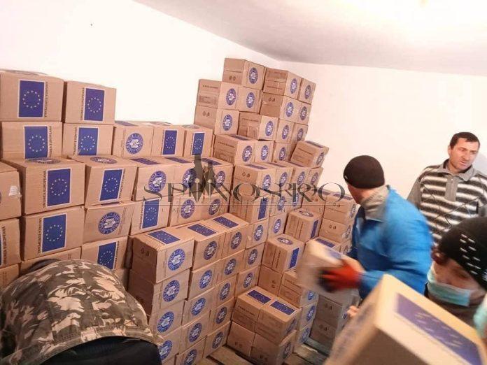 Cei mai săraci dintre bârlădeni sunt așteptați să își ridice pachetele de alimente de la UE