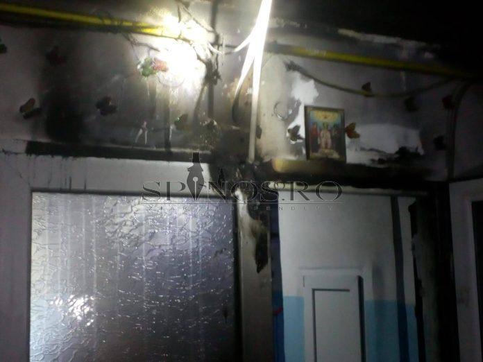 Incendiu într-o scară de bloc,6 persoane au fost evacuate
