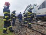 accident de tren la Roșiești. Un tren de călători a acroșat un TIR