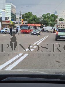 accident rutier în centru Bârladului, victima este un biciclist